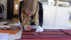 Pilleriin_Peets_taking_textile_samples